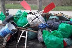 les pagaies et les déchets